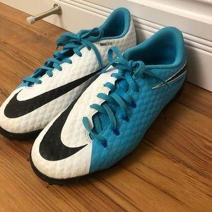 Nike Hypervenom indoor soccer cleats size 6y